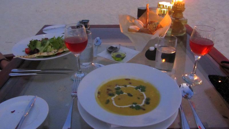 Candle Light Dinner am Strand, Malediven