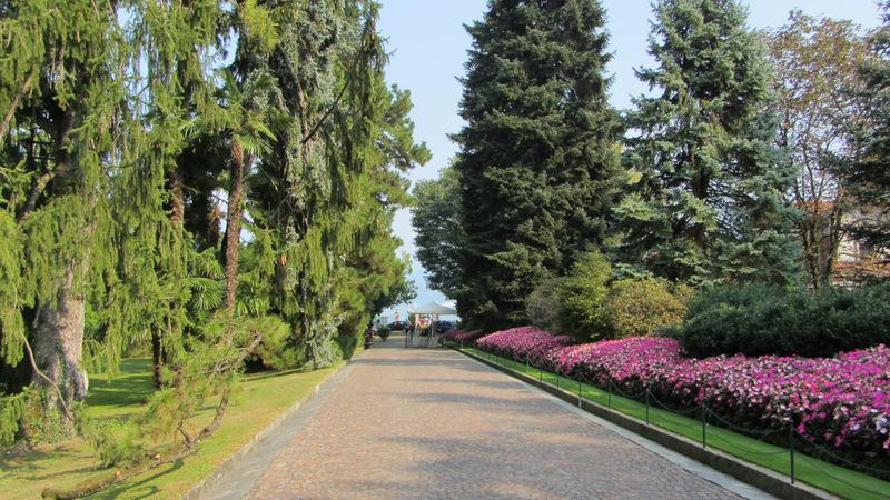 Ein und Ausgang des Botanischen Gartens