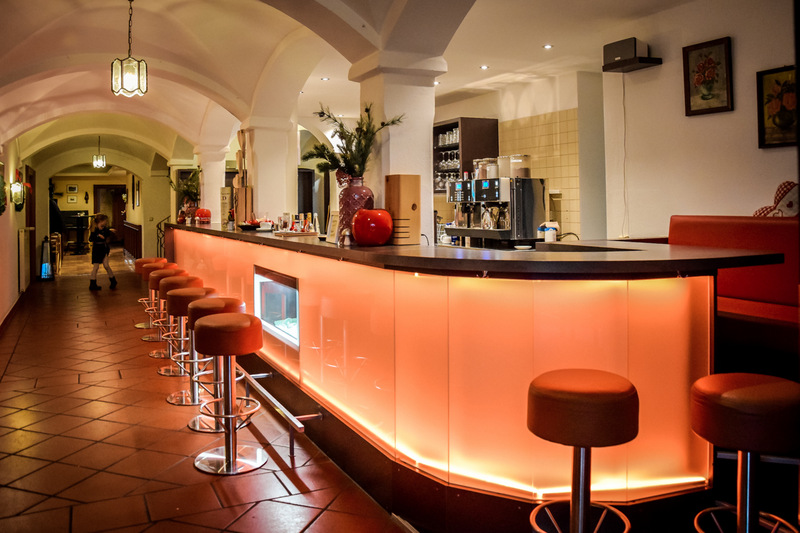 Bar, Landhotel Hallnberg, Walpertskirchen, Therme Erding,