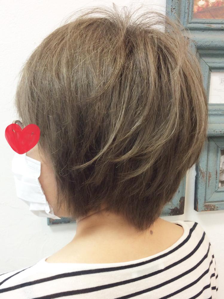 白髪染め以上、グレイヘア未満のヘアカラー