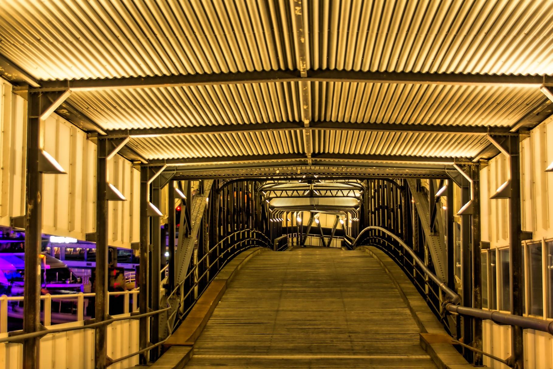 31_Hamburg - Landungsbrücken.