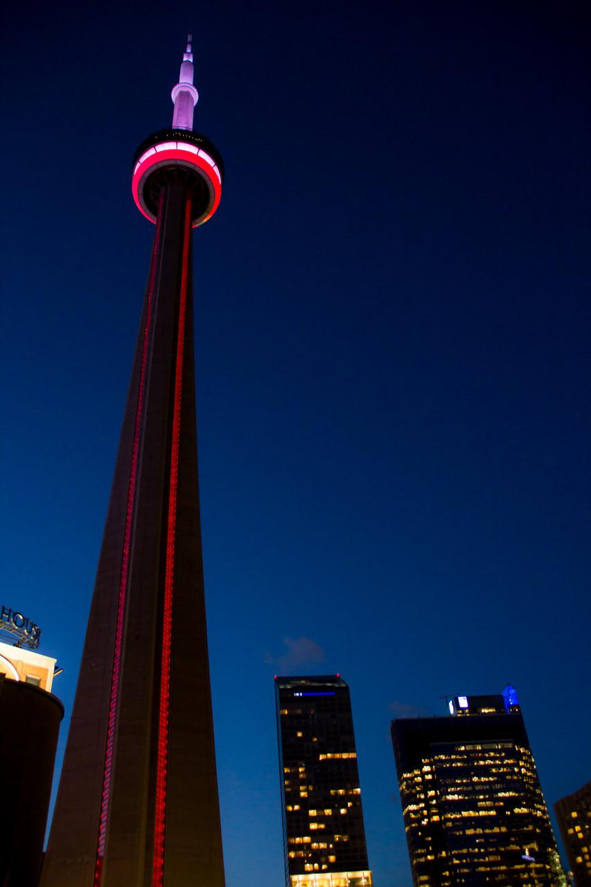 14_CN-Tower bei Nacht.