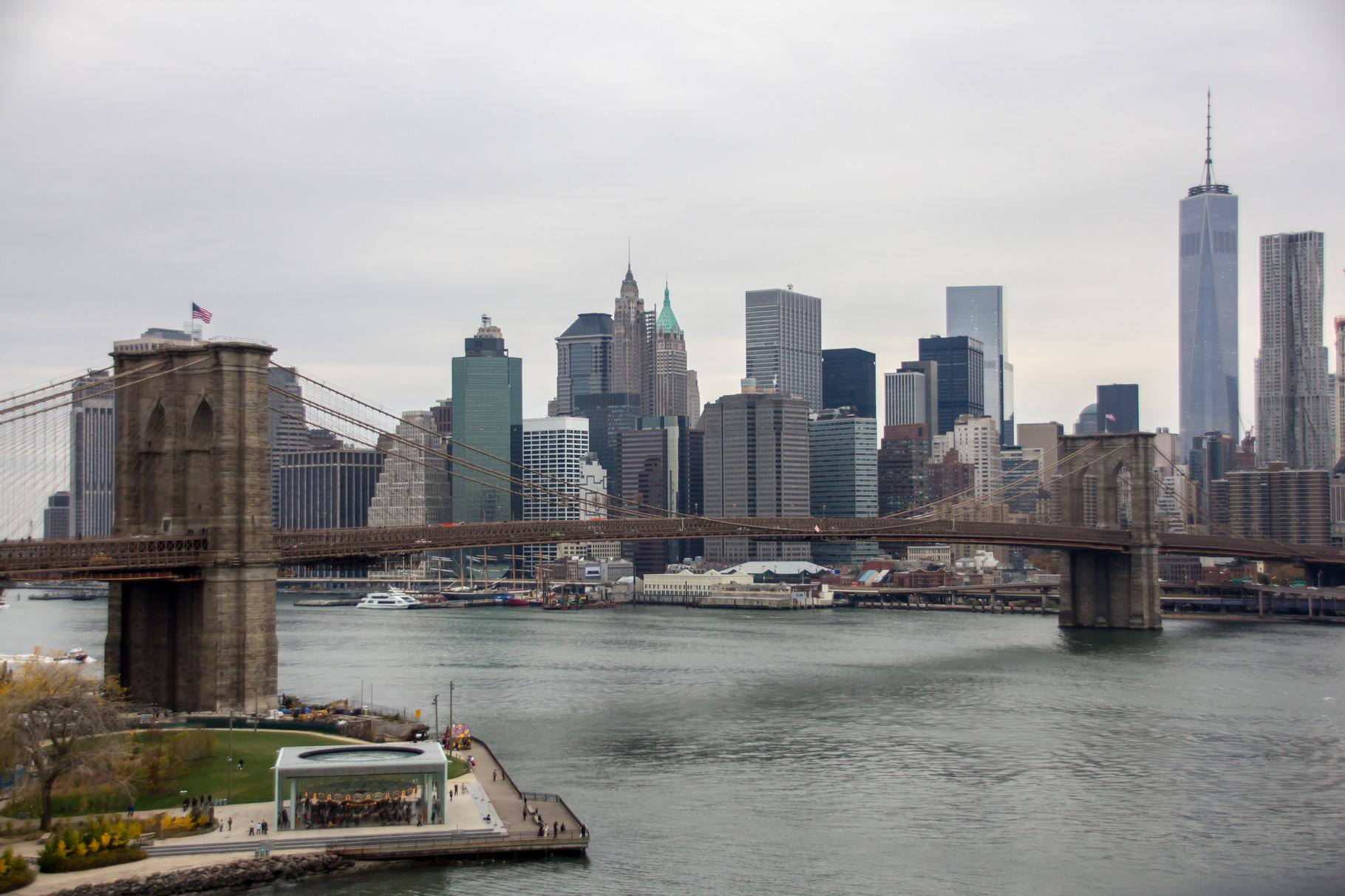 48_NYC Blick von Manhattan Bridge auf Brooklyn Bridge.