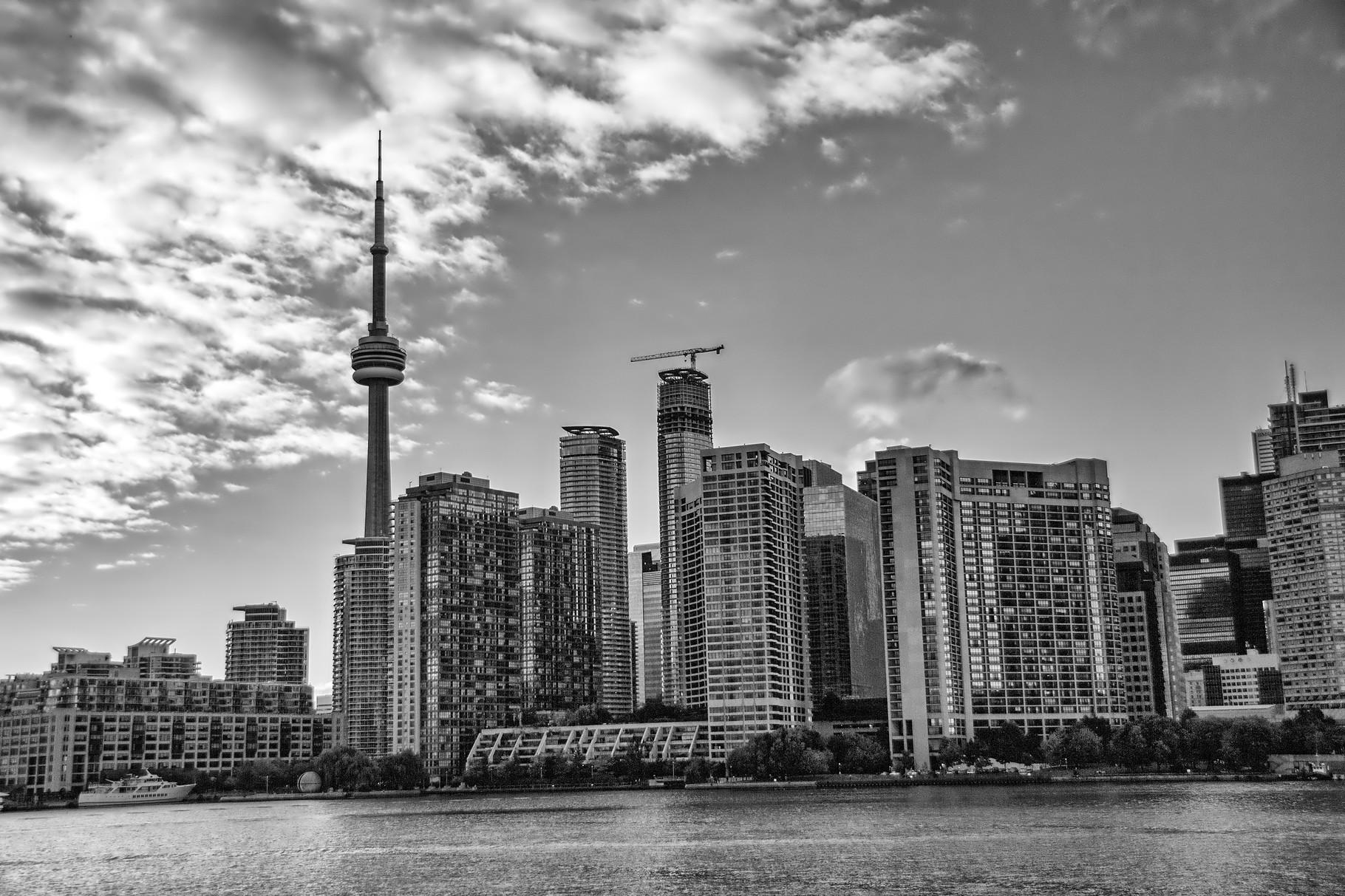 29_Skyline von Toronto mit CN-Tower_HDR_BW.