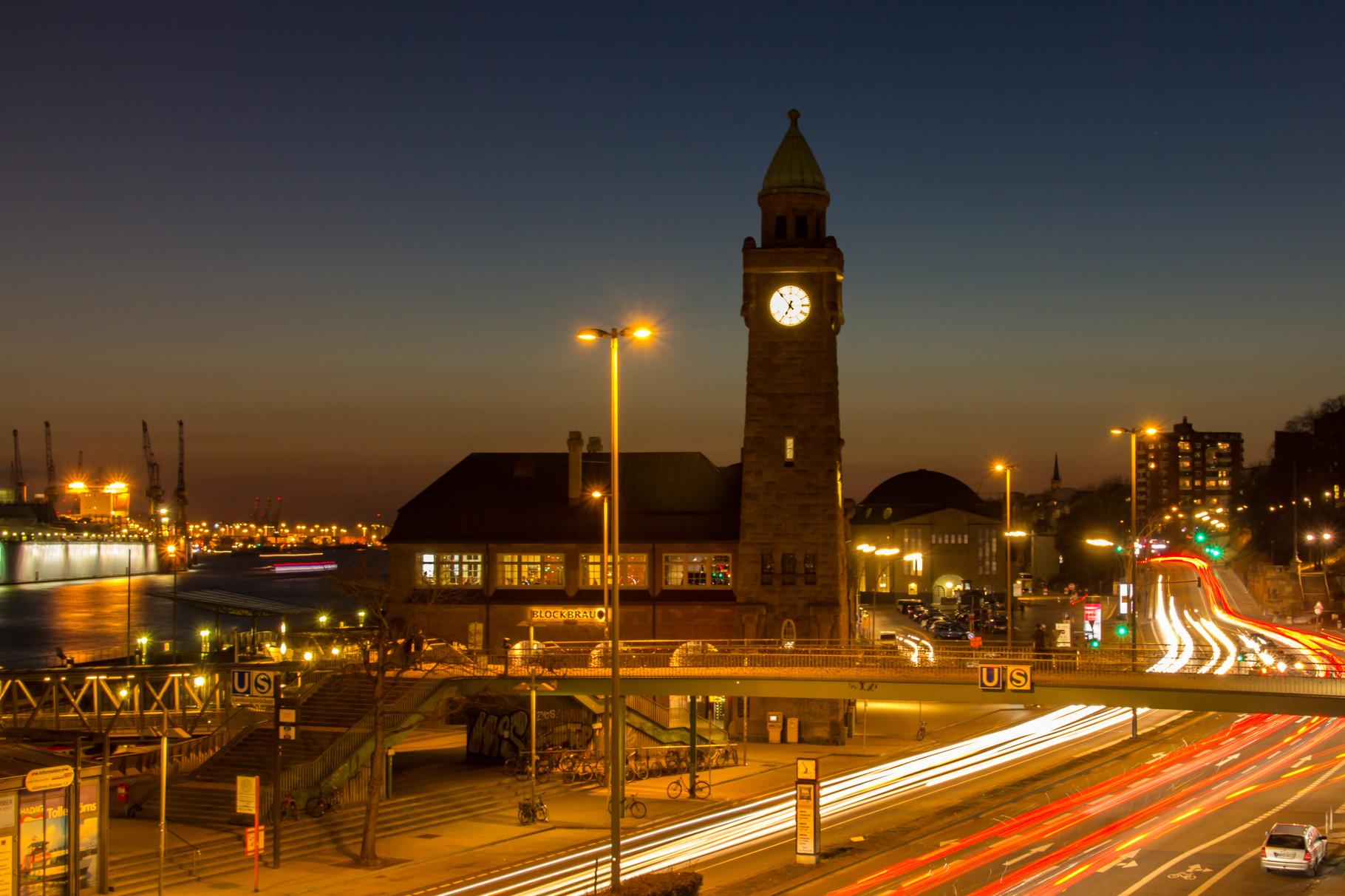 29_Hamburg - Landungsbrücken.