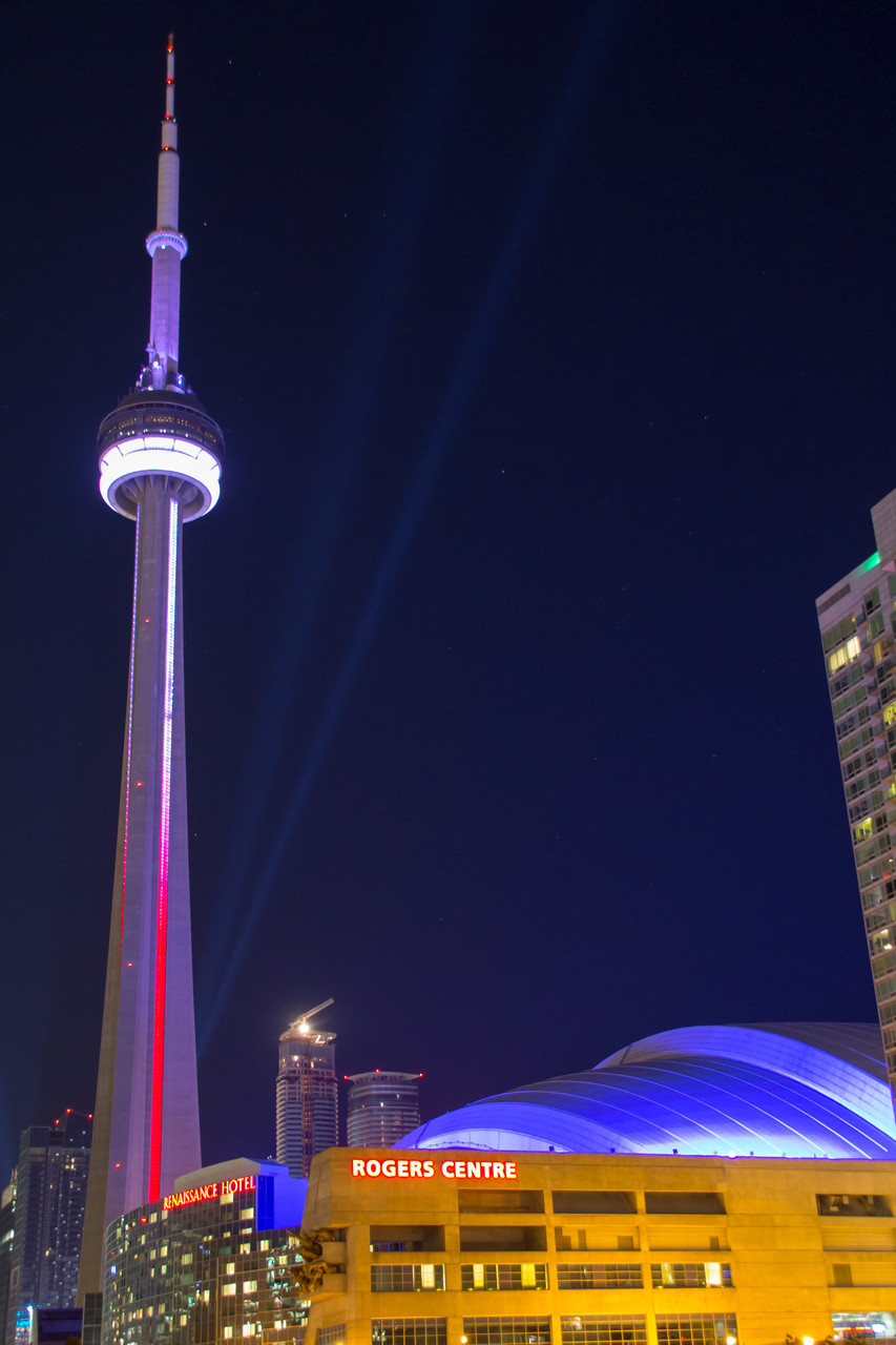 15_CN-Tower bei Nacht.