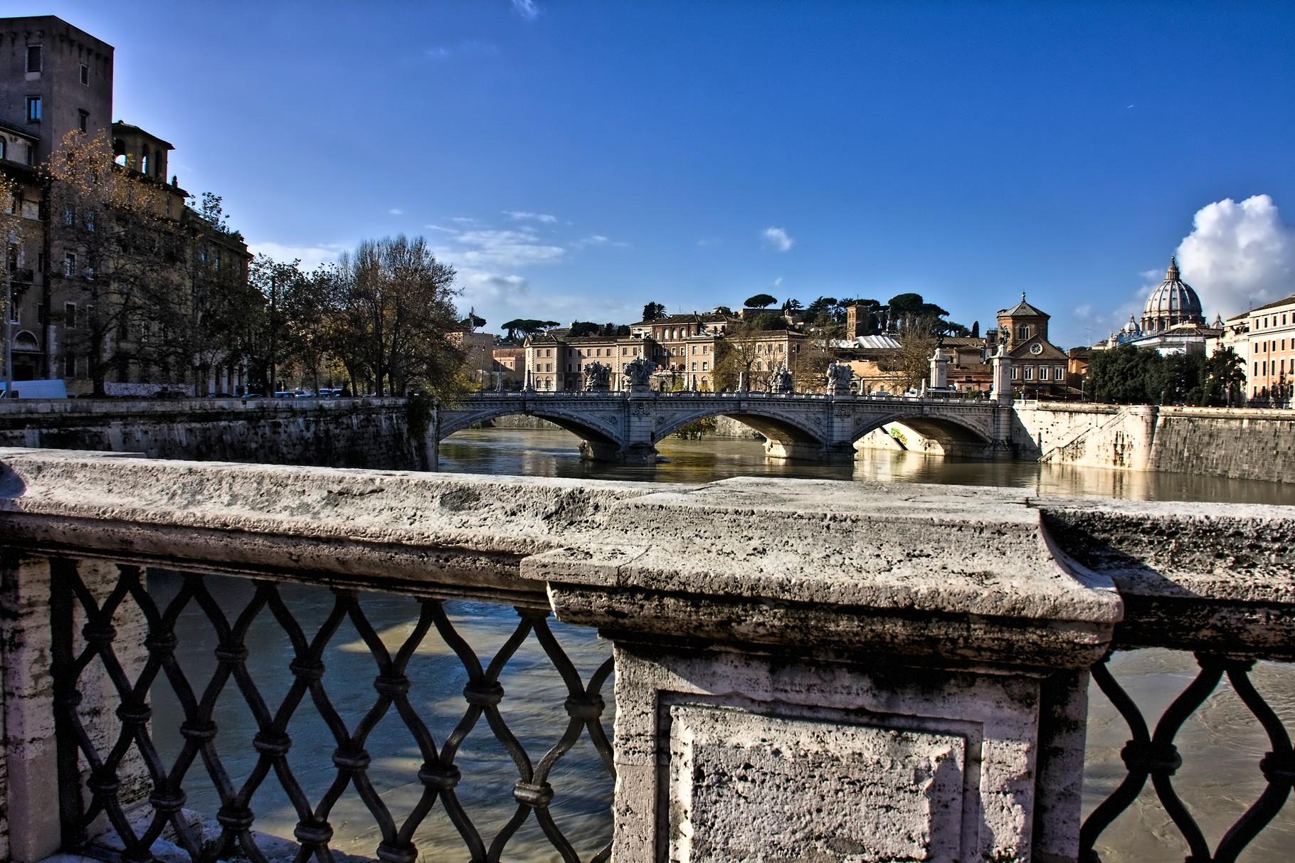 16_Rom - Blick von der Engelsbrücke Richtung Vatikan.