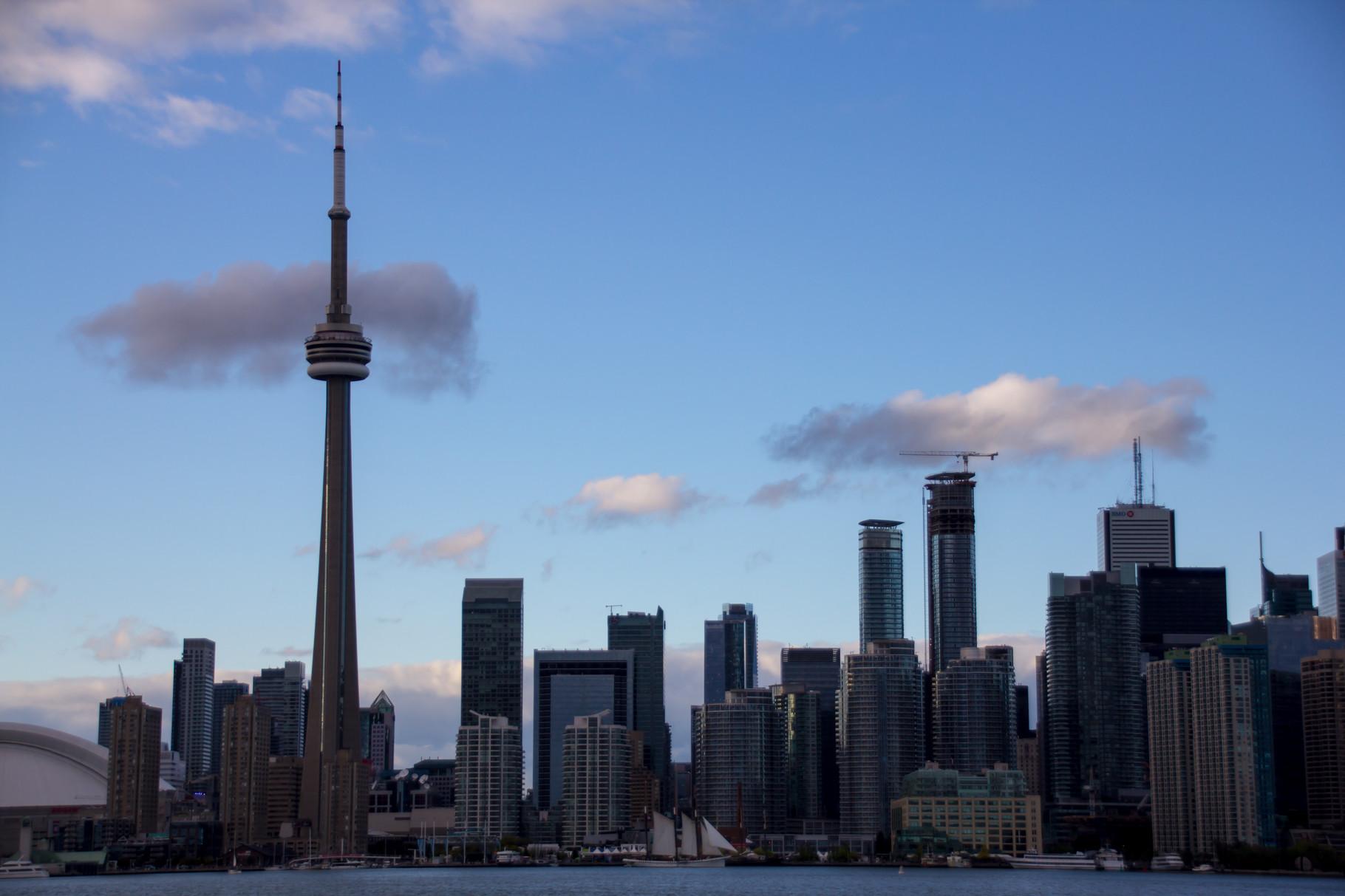 25_Skyline von Toronto mit CN-Tower.