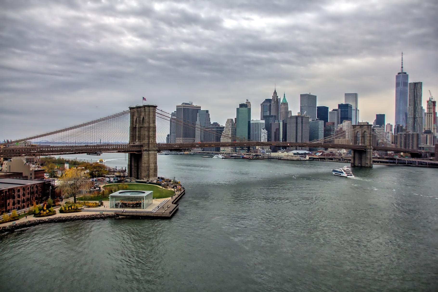 47_NYC Blick von Manhattan Bridge auf Brooklyn Bridge.