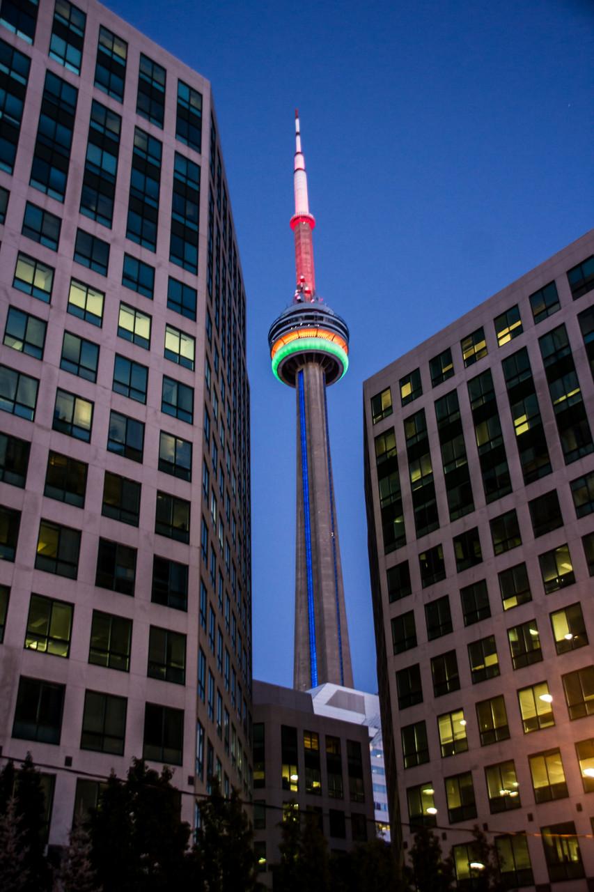 32_CN-Tower bei Nacht.