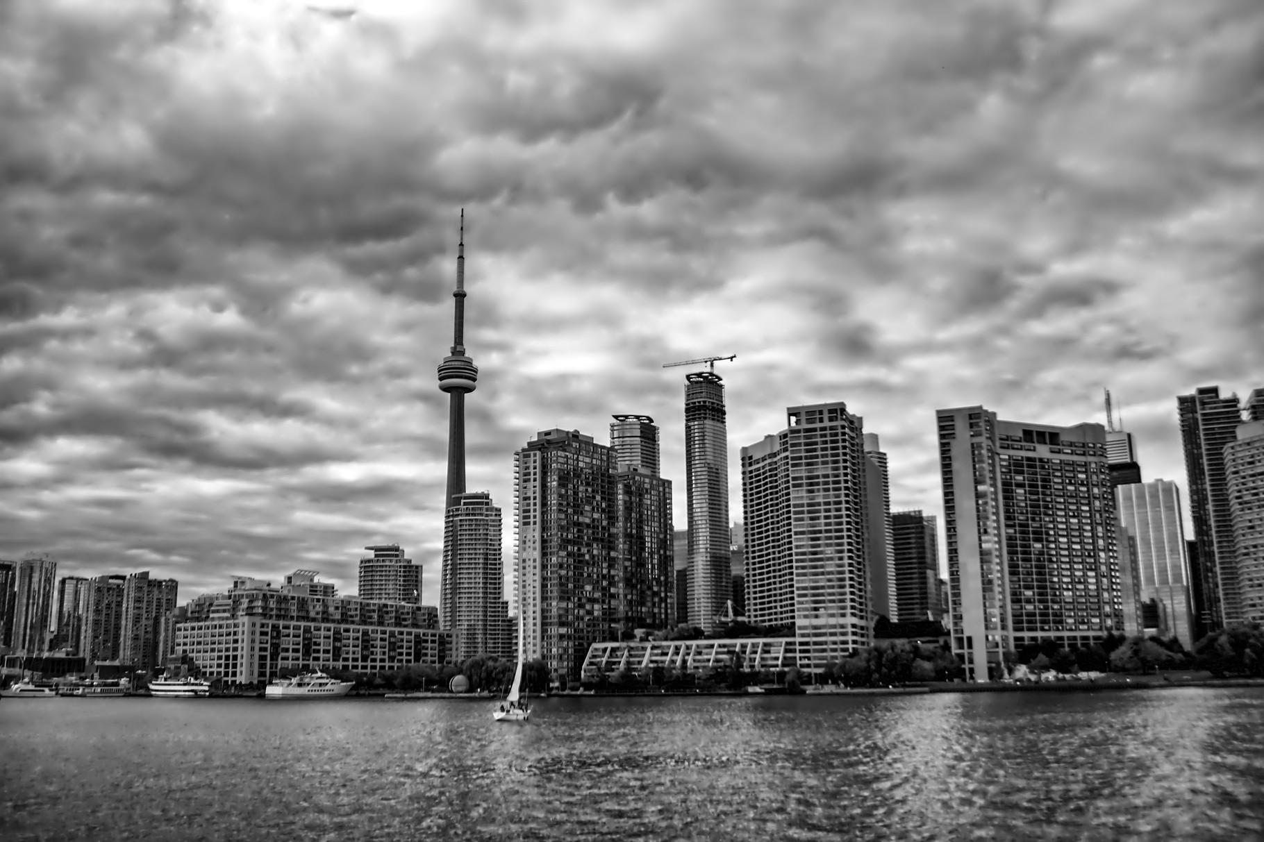 19_Skyline von Toronto mit CN-Tower_HDR_BW.