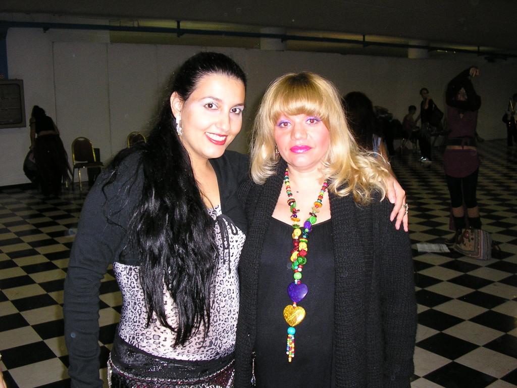 Con Maya Gory