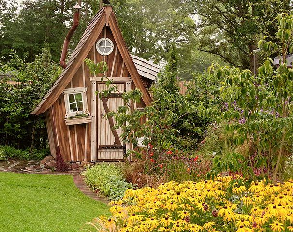 """""""Bauwerke"""" und ihre Kleingärten"""