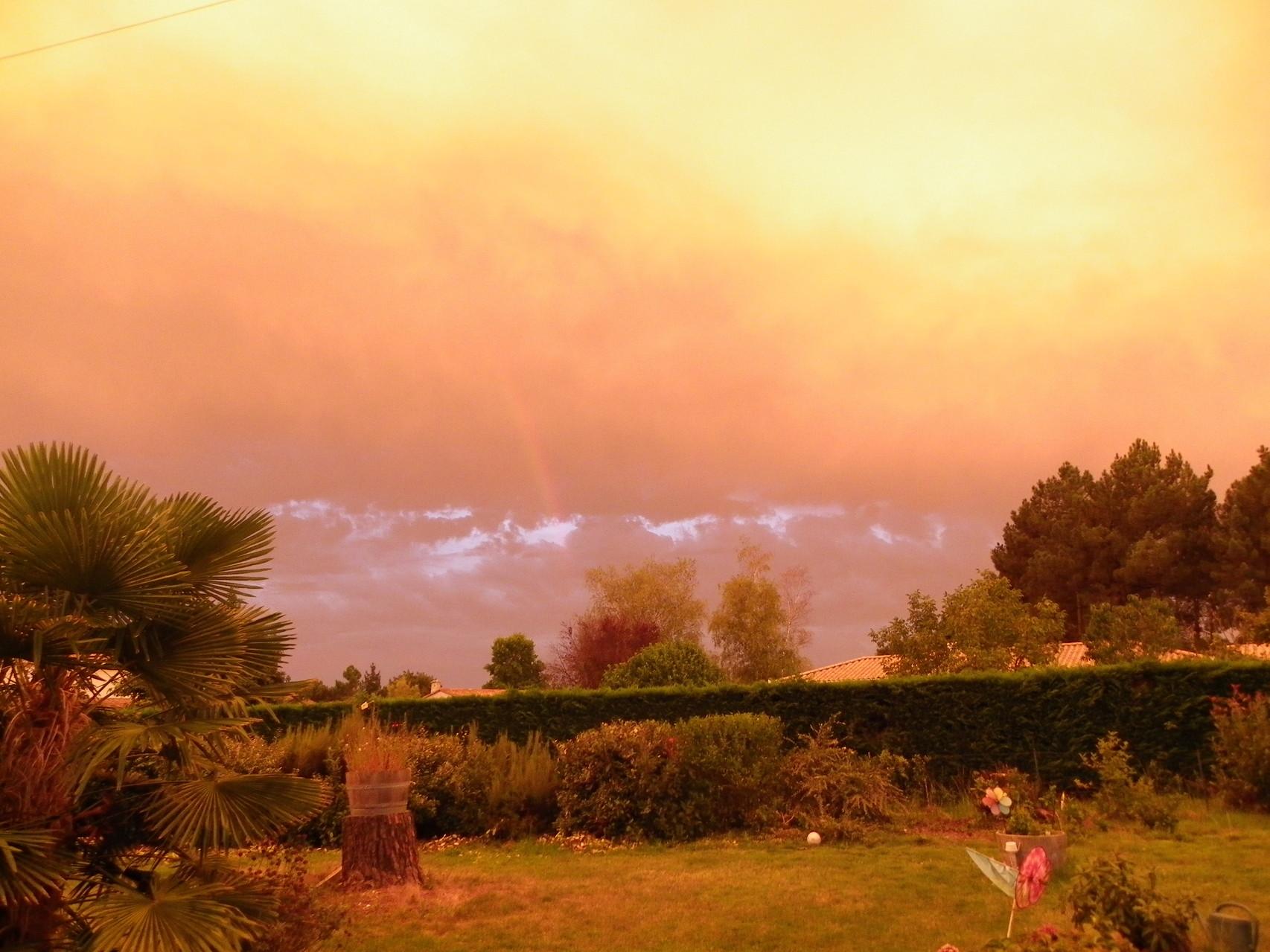 couleur inquiétante orage en vue