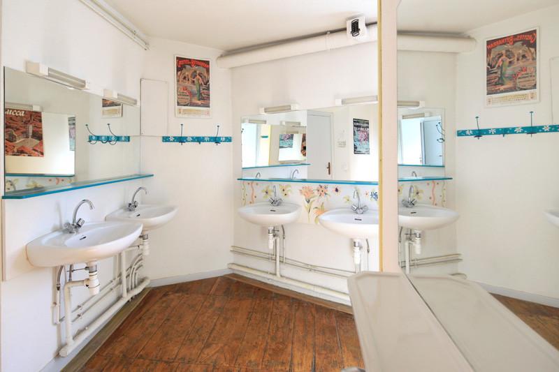 salle de bains commune