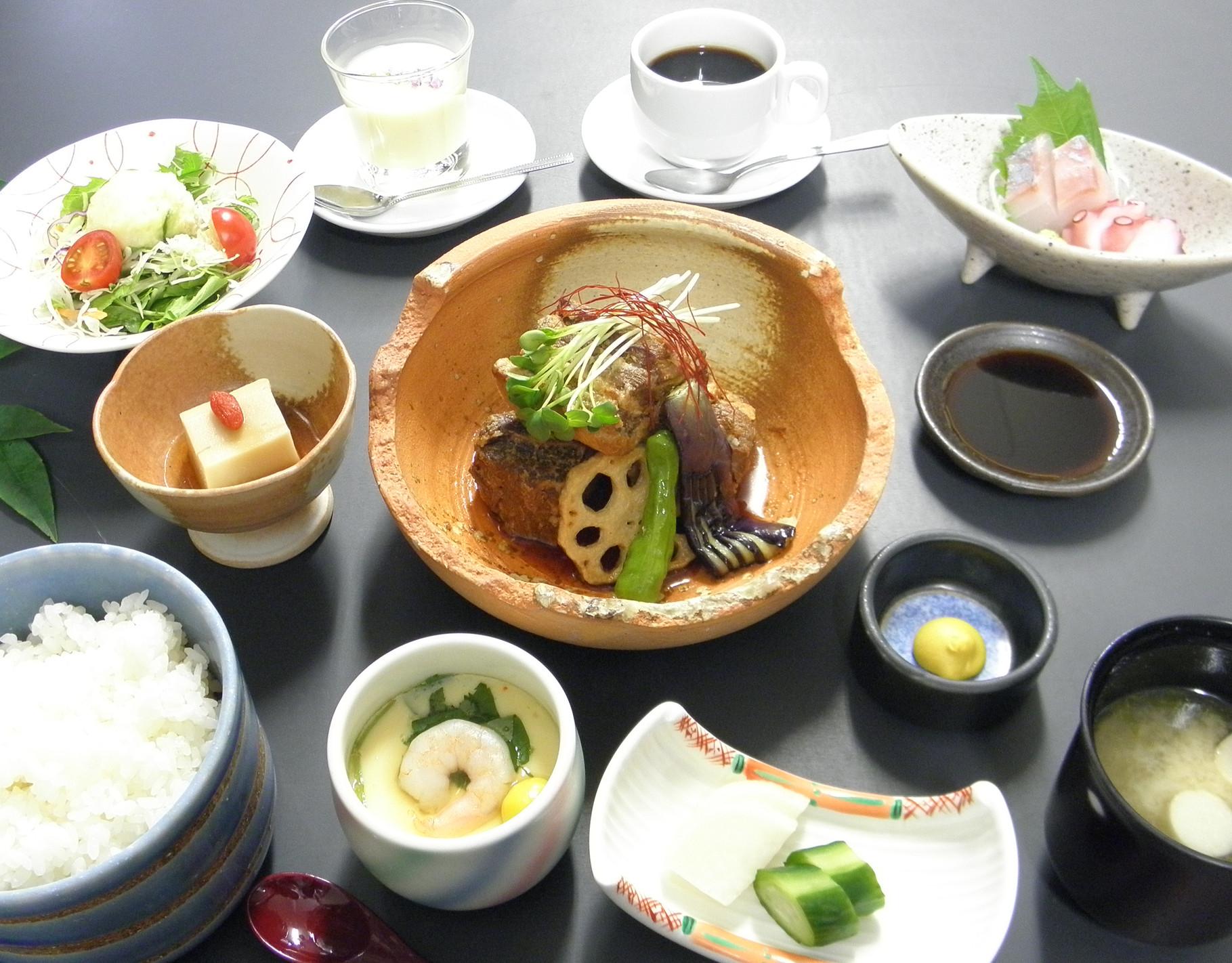 豚の角煮御膳 1,500円(税込)