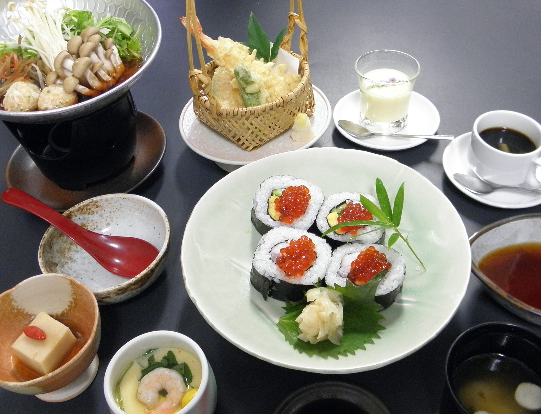 贅沢太巻き御膳  1,300円(税込)