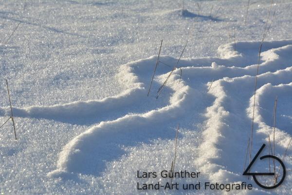 Februar 2021 gestreutes Muster aus Pulverschnee – Eichstätt Spindeltal (Kaninchenbau)