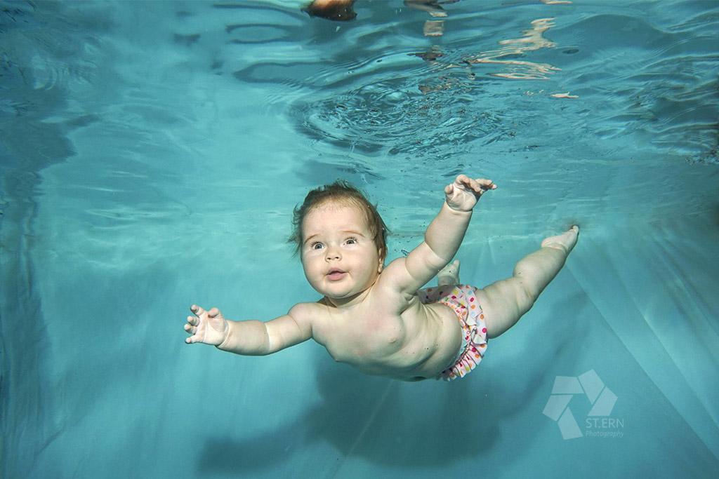 Fotos vom Babyschwimmen - Unterwasser und Überwasser