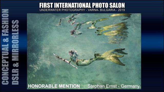 Unterwasserbild Meerjungfrau als eines der Gewinnerbilder