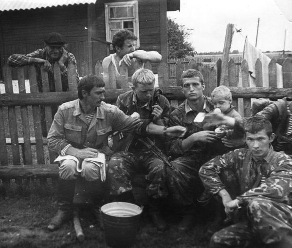 Учения Неман-79, август 1979 г. в центре Сергей Сафаров