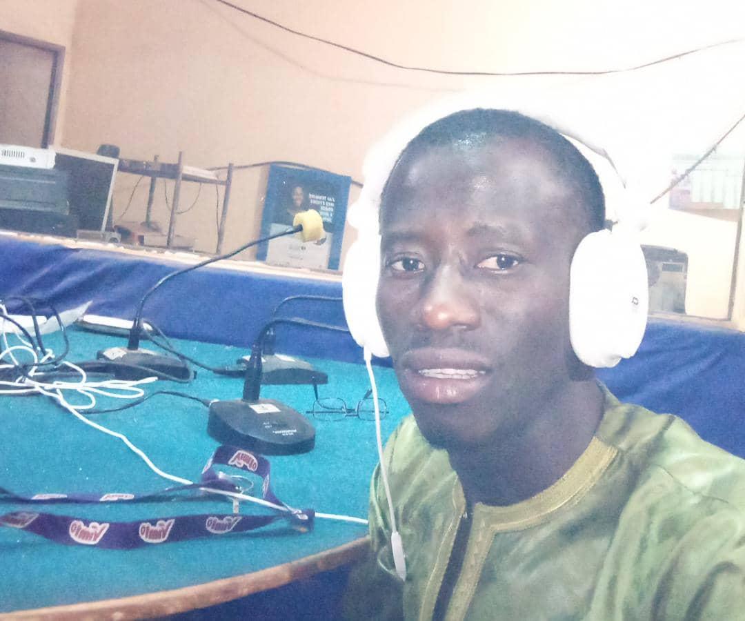Souleymane im zu Gast im Radiostudio