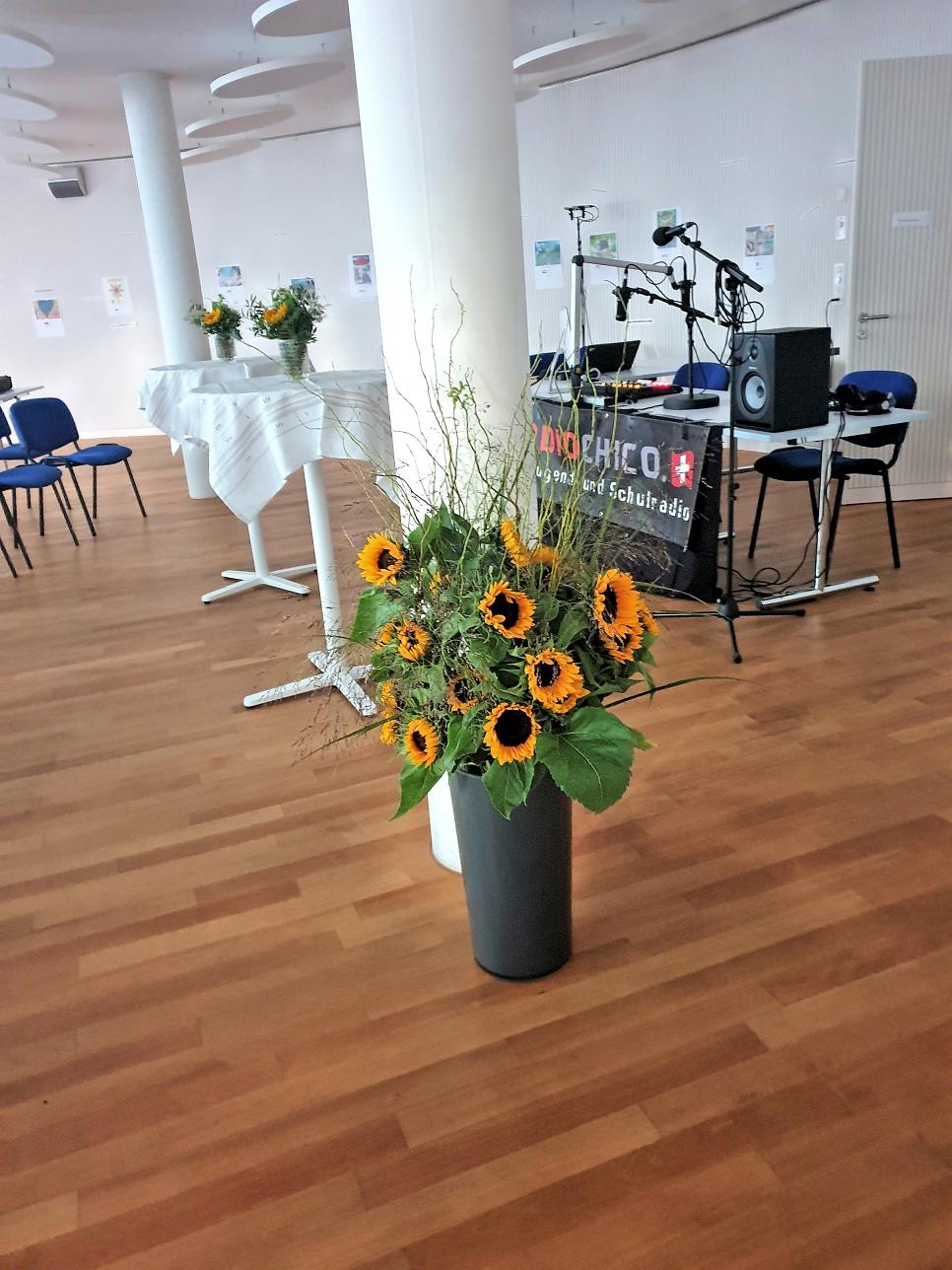 RadioChico Schweiz Studio im Saal von UNITY-Schweiz