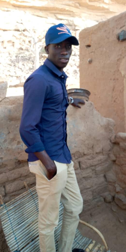 Souleymane mit RadioChico-Ausrüstung