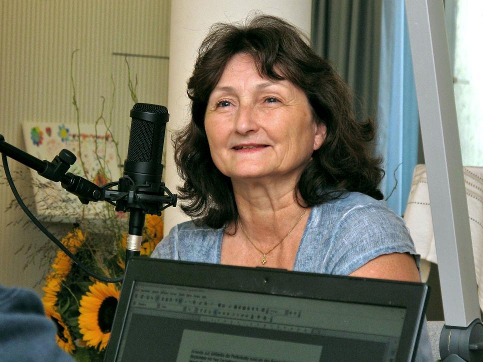 Amanda Jud - Initiantin Frauensolidarität für den Frieden - Perlenkette Sempachersee