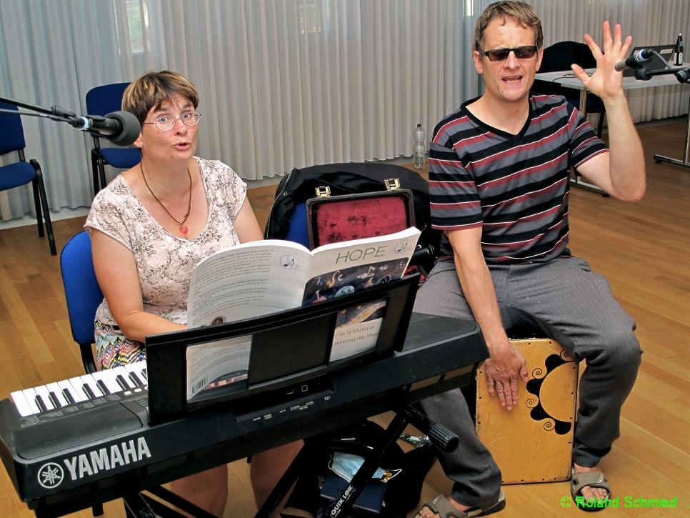 Christian Albrecht und Christine Donzel - Les Chrichri  musizieren