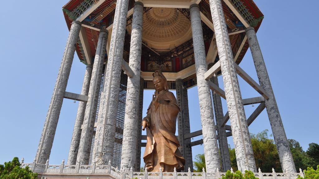 超巨大な仏教寺院