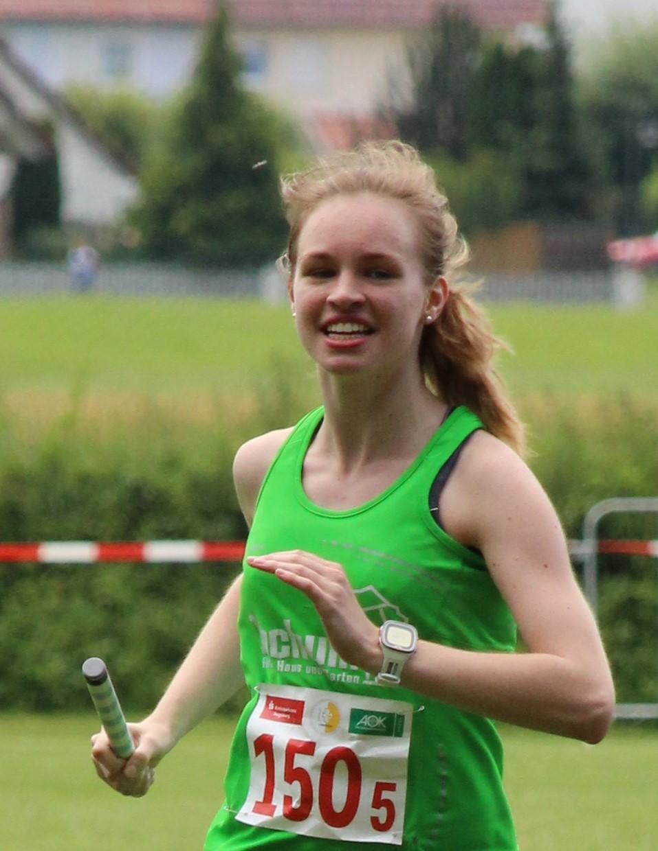 Sarah Bischoff ist zur Zeit unsere schnellste Mittelstrecklerin: 400m (Halle) 65,33sec, 800m 2:21,98min.