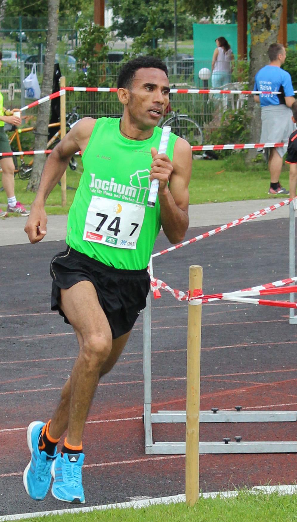 Seriensieger Yossief Tekle beim Landkreislauf 2015