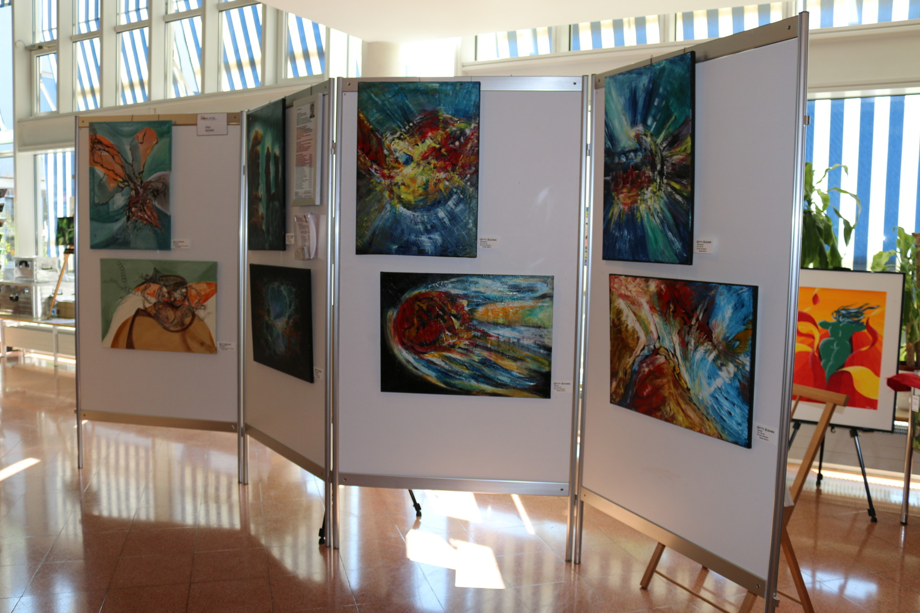 Ausstellungswand Gitta Reiner