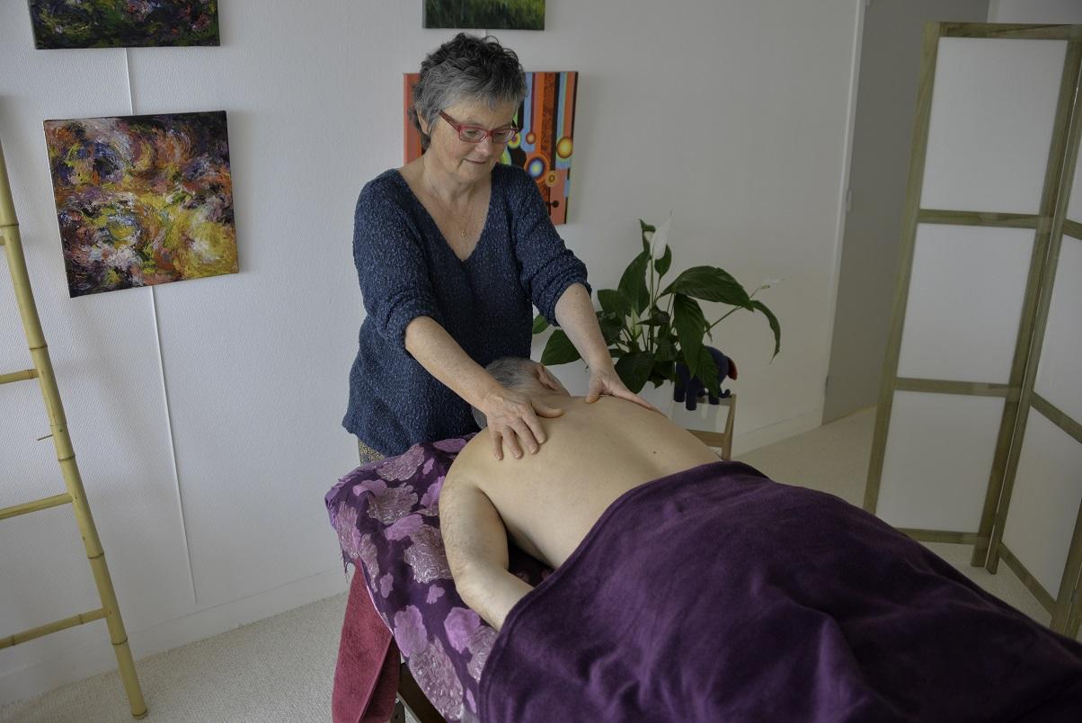 Au delà de la technique d'acupression, c'est la qualité du toucher qui détend profondément