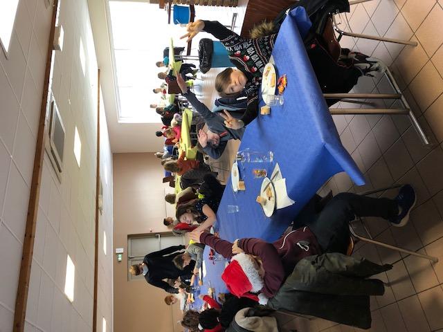 Quelques photos du repas de Noël à Entrange