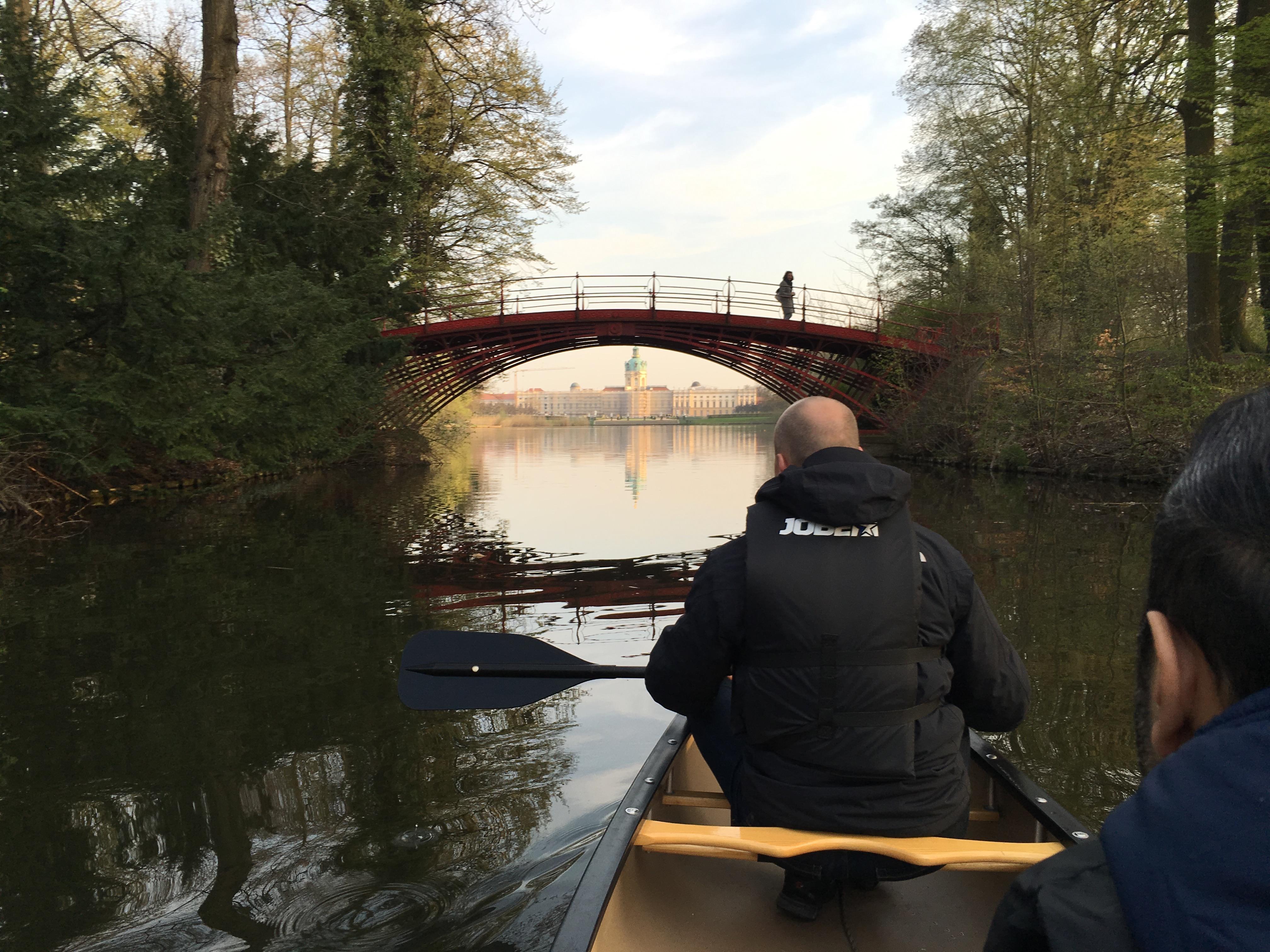 Mit dem Kanu das Schloss Charlottenburg erkunden