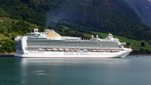 P&O Cruises Azura ex 6166