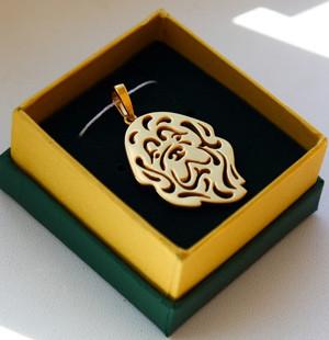 """Кулон из золота с изображением ньюфаундленда. Партия из десяти штук выполнена на ювелирном заводе """"Адамас""""."""