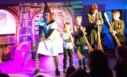 troupe de théâtre jeune public LES GUIGNOLOS www.lesguignolos.fr