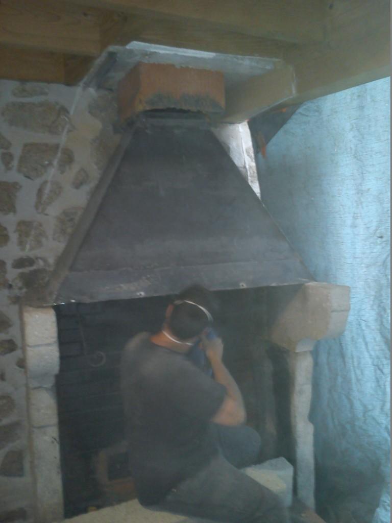 Démolission de la cheminée