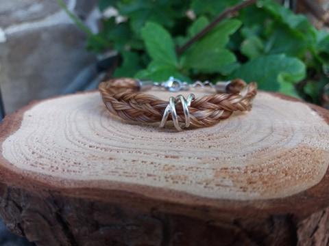 3fach flachgeflochtenes Pferdehaararmband  mit Spirale aus 925er Silber
