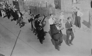 Festzug Kirmesmonat 1930 - An der Hongsburg - Ecke Niederpleiser Straße