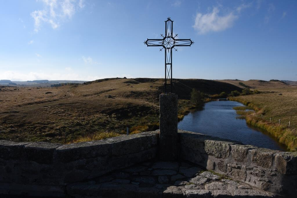 croix sur le pont
