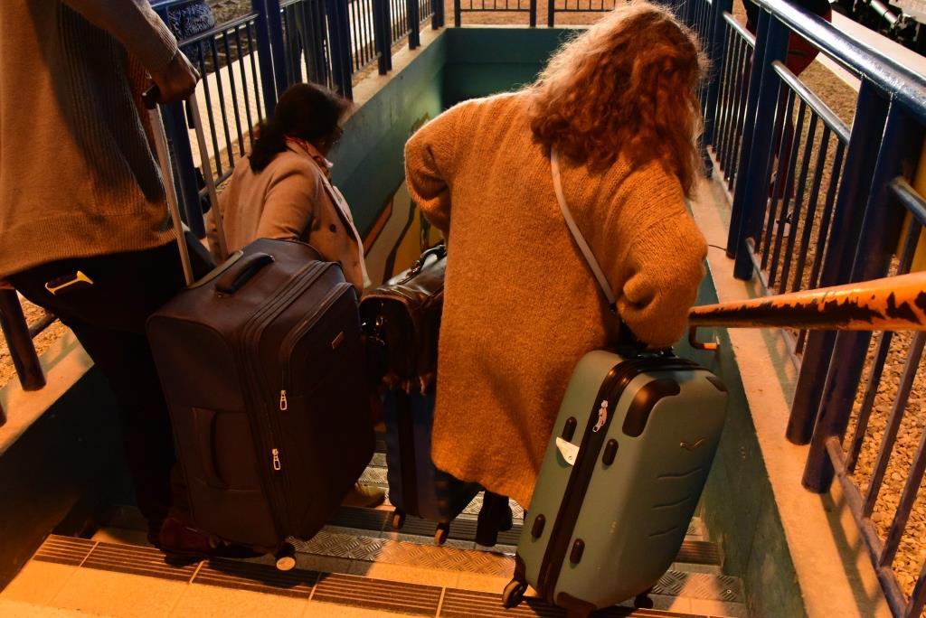 galère en gare sans escalator