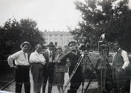 Karl Kutschera mit Filmteam in Kladow/ Berlin, Foto: Josephine Kutschera