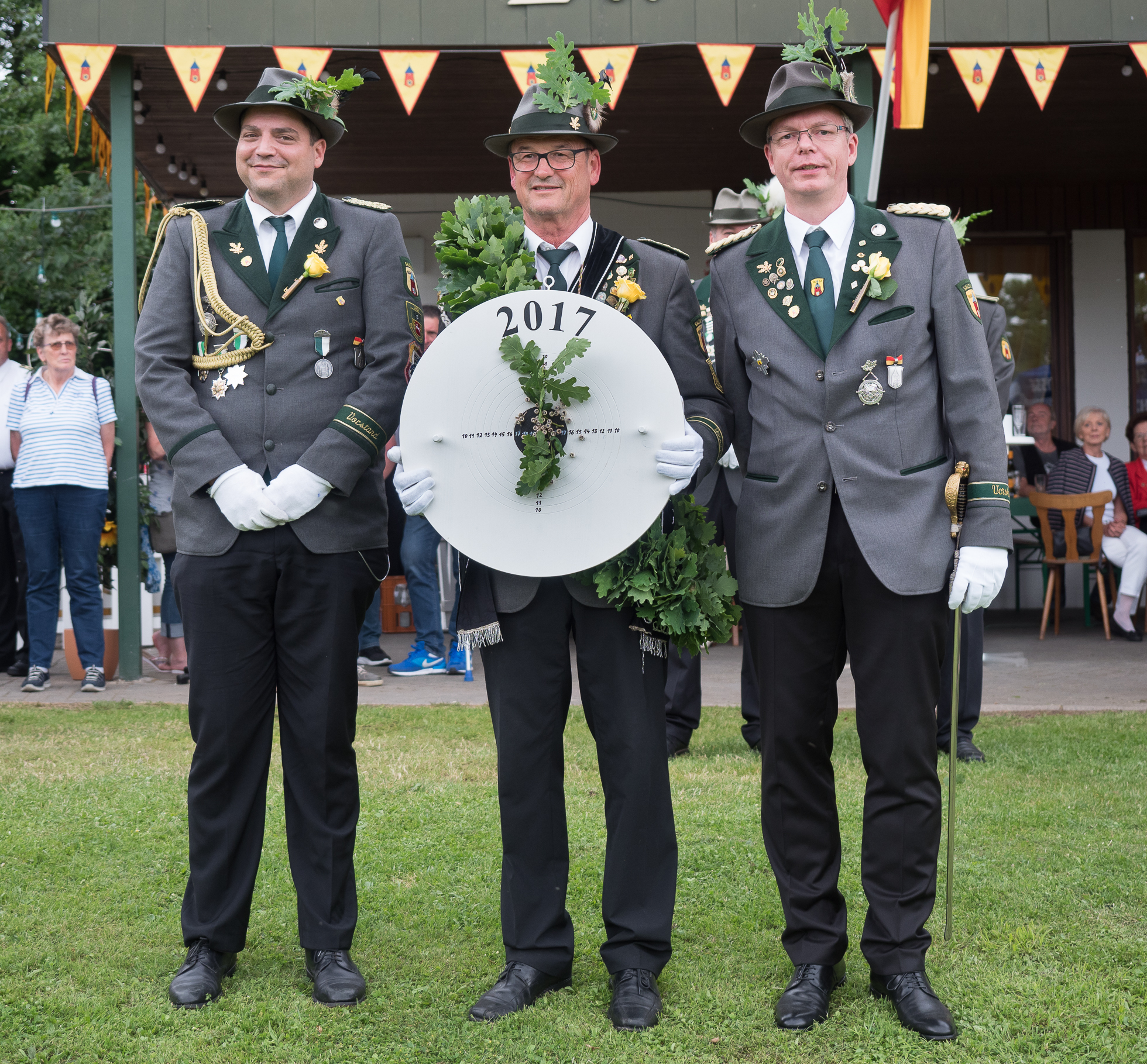 König, Adjutant und Oberst