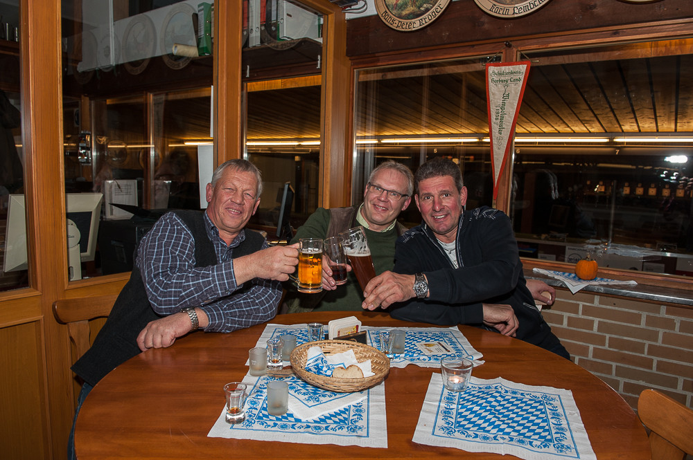 Entspanntes Bier mit dem König