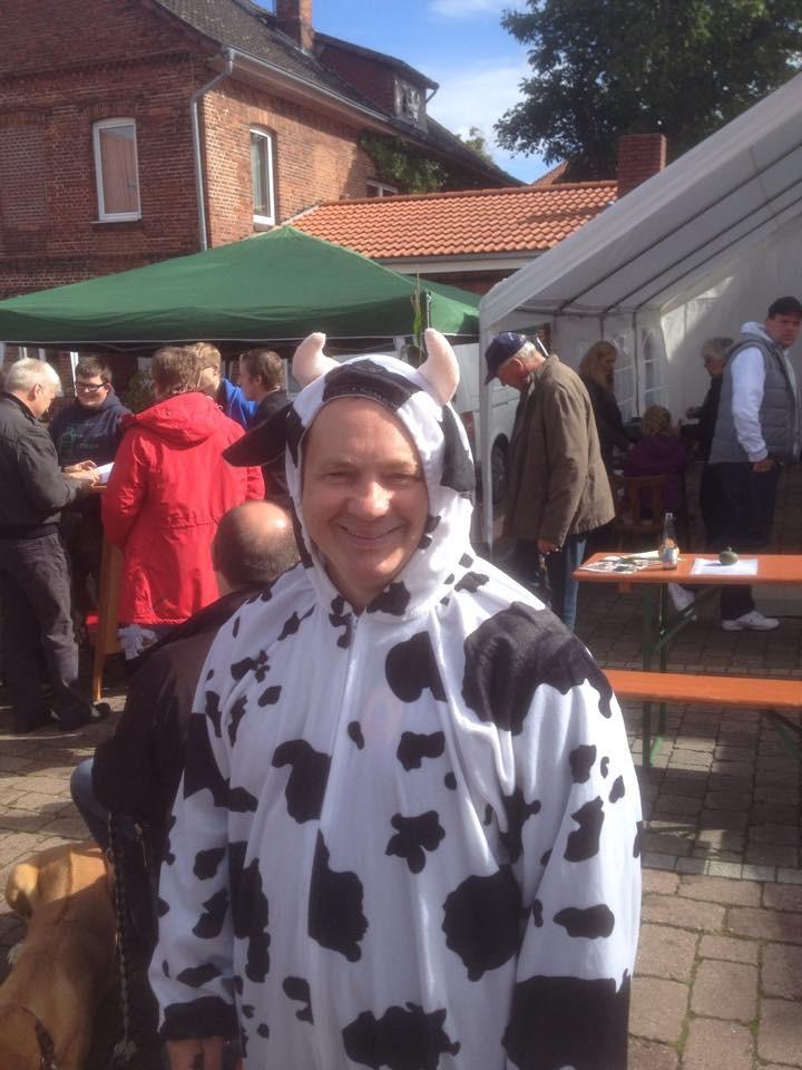Unsere Muster-Kuh beim Kirch-und Markttag