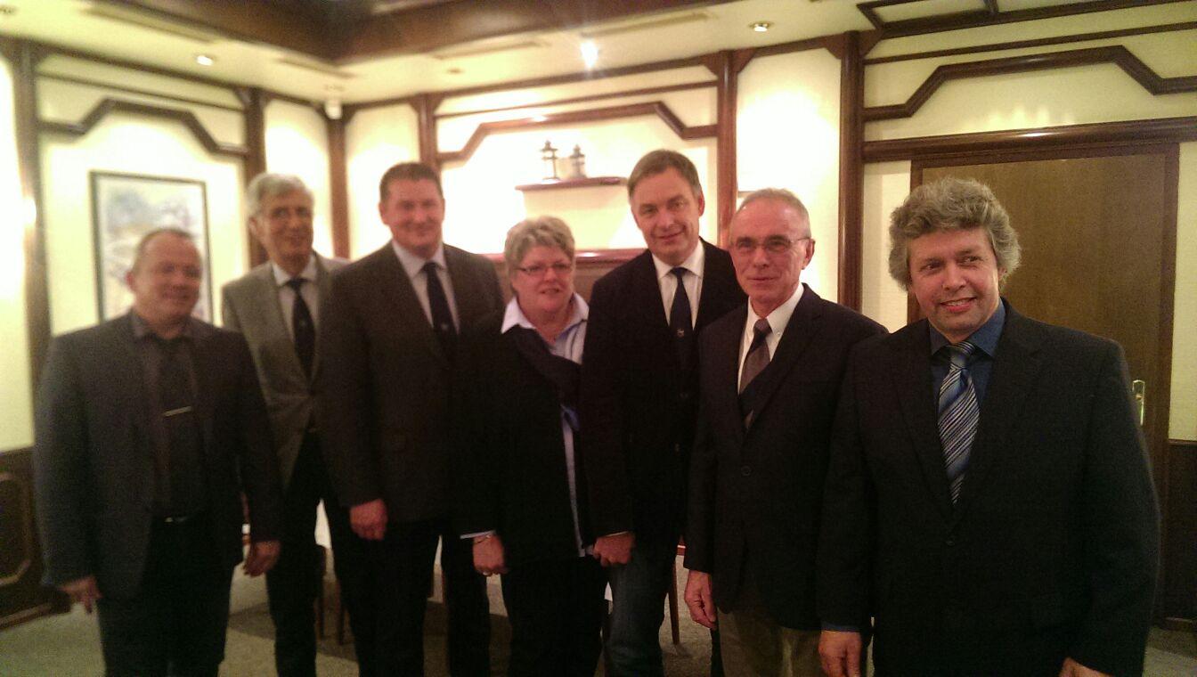 Lüdingworth: Ortsbürgermeister Thomas Brunken (3. von links)